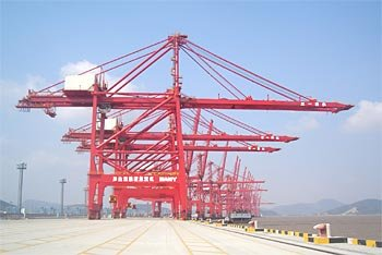 large dockside container cranes